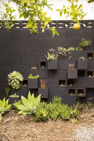 Latest Home Garden Design Ideas With Cinder Block To Try17