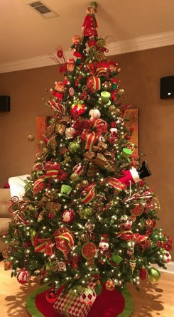 Trendy Diy Christmas Trees Design Ideas That Using Simple Free Materials07