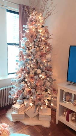 Trendy Diy Christmas Trees Design Ideas That Using Simple Free Materials08