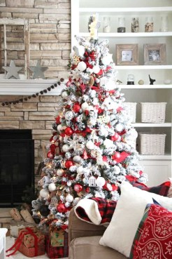Trendy Diy Christmas Trees Design Ideas That Using Simple Free Materials10