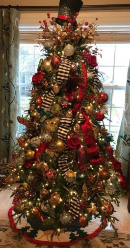 Trendy Diy Christmas Trees Design Ideas That Using Simple Free Materials30