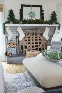 Unordinary Farmhouse Christmas Entryway Design Ideas For The Amazing Looks10