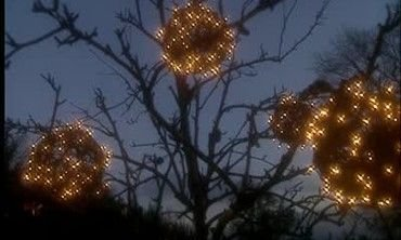 Unusual Diy Christmas Light Balls Ideas For Outdoor Decoration03