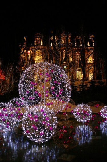 Unusual Diy Christmas Light Balls Ideas For Outdoor Decoration06