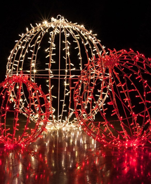 Unusual Diy Christmas Light Balls Ideas For Outdoor Decoration20