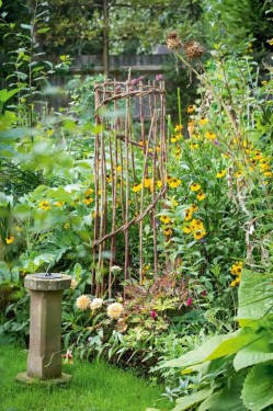 Fantastic Primitive Gardens Design Ideas That You Have To Try24
