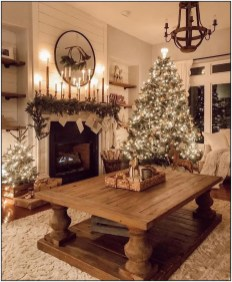 Hottest Farmhouse Christmas Decorations Ideas To Try Asap20