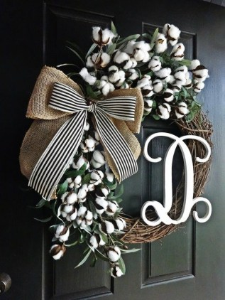 Newest Christmas Door Decoration Ideas You Must Try Right Now07