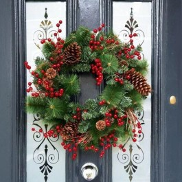 Newest Christmas Door Decoration Ideas You Must Try Right Now20
