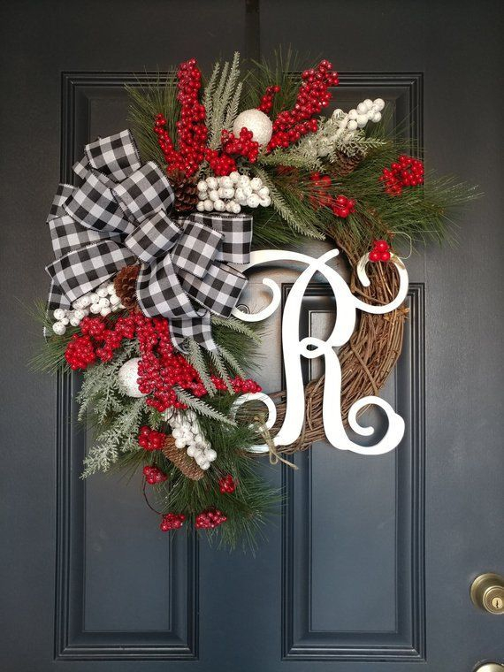 Newest Christmas Door Decoration Ideas You Must Try Right Now31