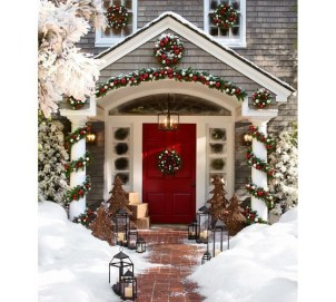 Trendy Outdoor Christmas Decorations To Copy Right Now10