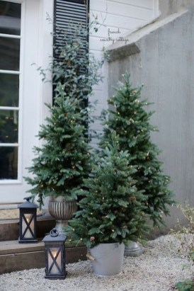 Trendy Outdoor Christmas Decorations To Copy Right Now24