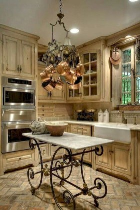 Wonderful French Country Kitchen Design Ideas For Small Space12