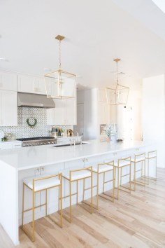 Gorgeous Gold Color Interior Design Ideas For Your Home Style To Copy20