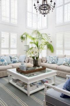 Pretty Coastal Living Room Decor Ideas That Looks Awesome06