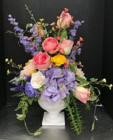 Stylish Easter Flower Arrangement Ideas That You Will Love04