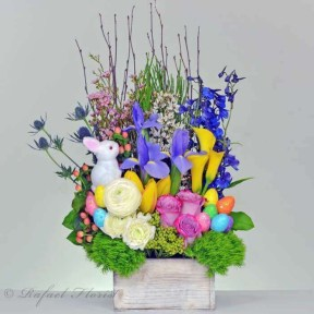 Stylish Easter Flower Arrangement Ideas That You Will Love05