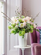 Stylish Easter Flower Arrangement Ideas That You Will Love11