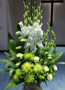 Stylish Easter Flower Arrangement Ideas That You Will Love29