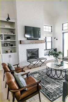 Top Farmhouse Style Living Room Decor Ideas That Looks Adorable25