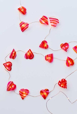 Wonderful String Lights Ideas For Valentine Days That Will Amaze You30