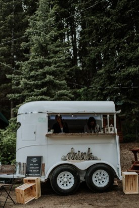 Chic Outdoor Wedding Drink Station And Bar Ideas For Winter To Try Asap18