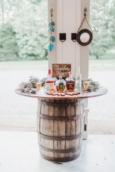 Chic Outdoor Wedding Drink Station And Bar Ideas For Winter To Try Asap20