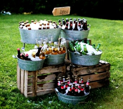 Chic Outdoor Wedding Drink Station And Bar Ideas For Winter To Try Asap25
