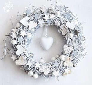 Delightful Winter Decoration Ideas With Items That You Must Have At Home12