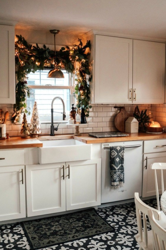 Delightful Winter Decoration Ideas With Items That You Must Have At Home33