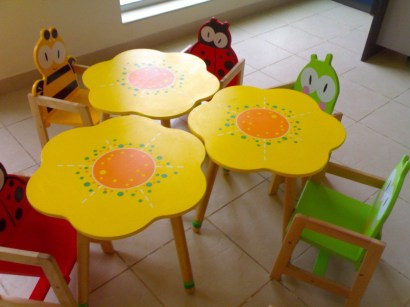 Excellent Chair And Table Design Ideas With Flower Shapes To Try Asap13
