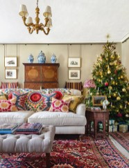 Spectacular Winter Décor Ideas With Textiles That You Need To Try02