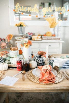 Unusual Friendsgiving Decor Ideas For Holiday Celebrating To Try18