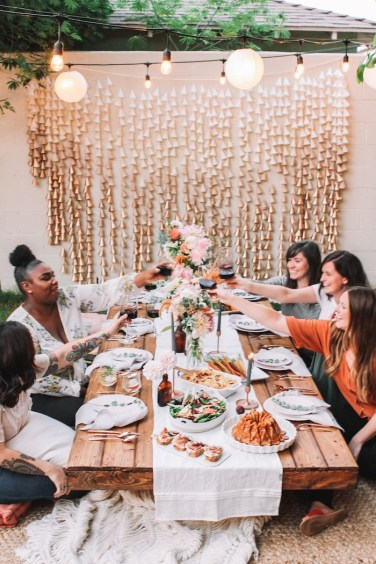 Unusual Friendsgiving Decor Ideas For Holiday Celebrating To Try35
