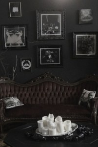 Exciting Dark Gothic Interior Designs Ideas That You Need To Try25