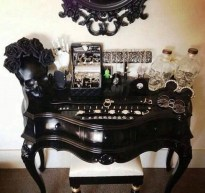 Exciting Dark Gothic Interior Designs Ideas That You Need To Try34