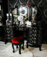 Exciting Dark Gothic Interior Designs Ideas That You Need To Try36