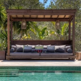 Extraordinary Poolside Nooks Design Ideas To Try For Your Relaxing17