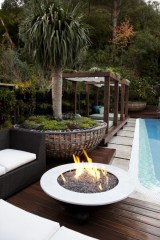 Extraordinary Poolside Nooks Design Ideas To Try For Your Relaxing35