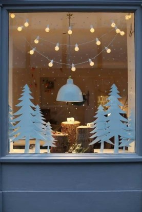 Favorite Winter Tree Display Design Ideas For Small Spaces29