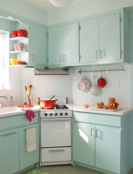 Glamorous Small Kitchen Design Ideas That Can Saving Your Space31