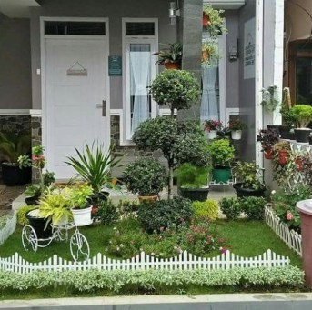 Adorable Front Porch Landscaping Design Ideas To Increase Your Home Style07