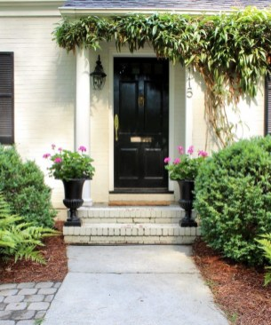 Adorable Front Porch Landscaping Design Ideas To Increase Your Home Style11