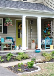 Adorable Front Porch Landscaping Design Ideas To Increase Your Home Style14