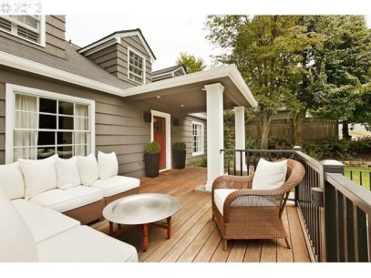 Adorable Front Porch Landscaping Design Ideas To Increase Your Home Style22