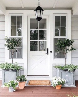 Adorable Front Porch Landscaping Design Ideas To Increase Your Home Style27
