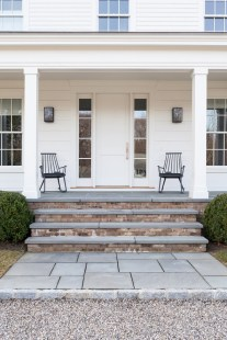 Adorable Front Porch Landscaping Design Ideas To Increase Your Home Style28