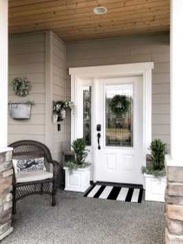 Adorable Front Porch Landscaping Design Ideas To Increase Your Home Style33