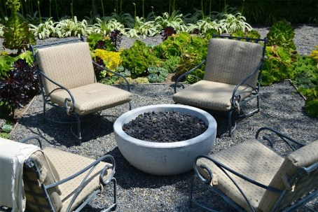 Best Patio Deck Design Ideas With Firepit To Make The Atmosphere Warmer27
