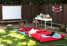 Chic Outdoor Home Theaters Design Ideas To Have Asap18